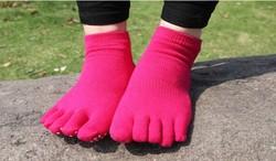 Best selling products professional wholesale non-slip socks, Fashion Grip Yoga Toe Sock,Cotton yoga pilates Socks
