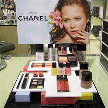 Handy cosmetic display travel makeup case girls favourite acrylic display