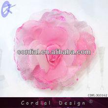 2013 rosa ramillete con las hojas de, De color rosa flor de la pluma