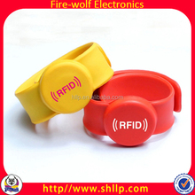 Supply Party Suplies Cheer Prop Wristband RFID Bracelet LED Silicone Bracelet
