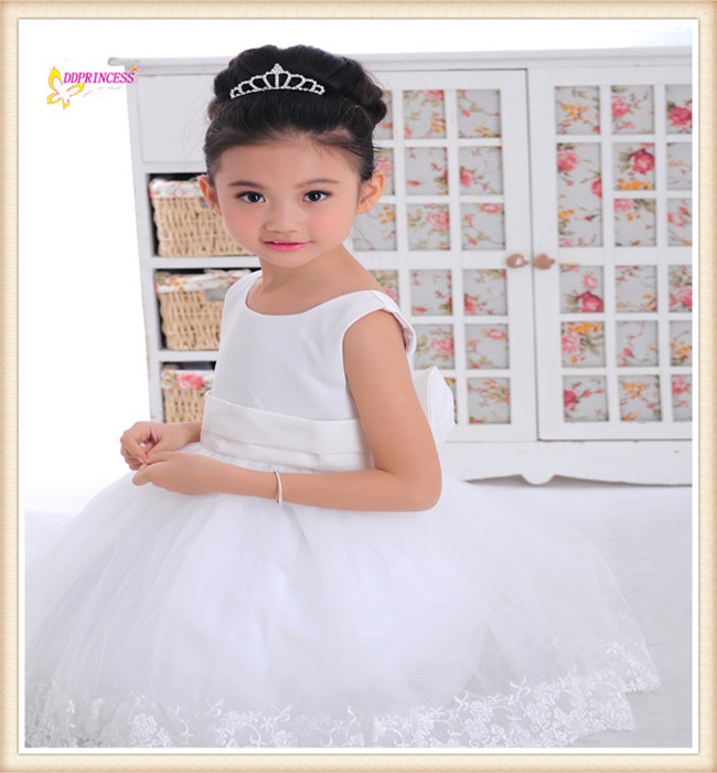 baby m dchen kleider wei e prinzessin kleid mode kinder. Black Bedroom Furniture Sets. Home Design Ideas