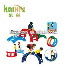 Nuevo diseño de un - cuarto círculo de los niños juegan el juguete