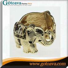 Interesante elefante pulseras de metal
