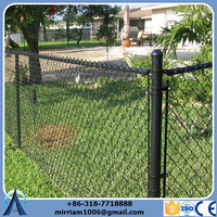 ISO9001PVC coated green golf course fence (made in china)