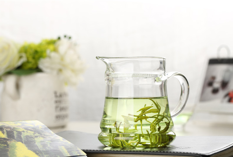 glass-tea-cups-with-handle.png