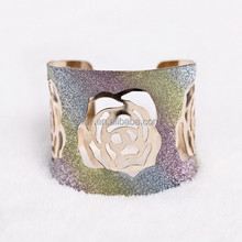 2015 Hot Sell Hollowed Colorful Floral Fashion Bracelet Fashion Jewelry for Gift
