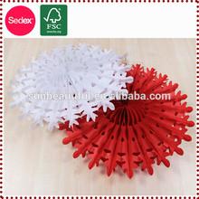 Hecho a mano de papel de seda ventilador, copo de nieve de navidad adornos