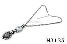 N3125 Fashion Charming Crystal Pendant Necklace