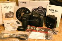 Canon DSLR <span class=keywords><strong>EOS</strong></span> 5D Mark III Digital Camera
