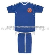 Niños uniformes escolares