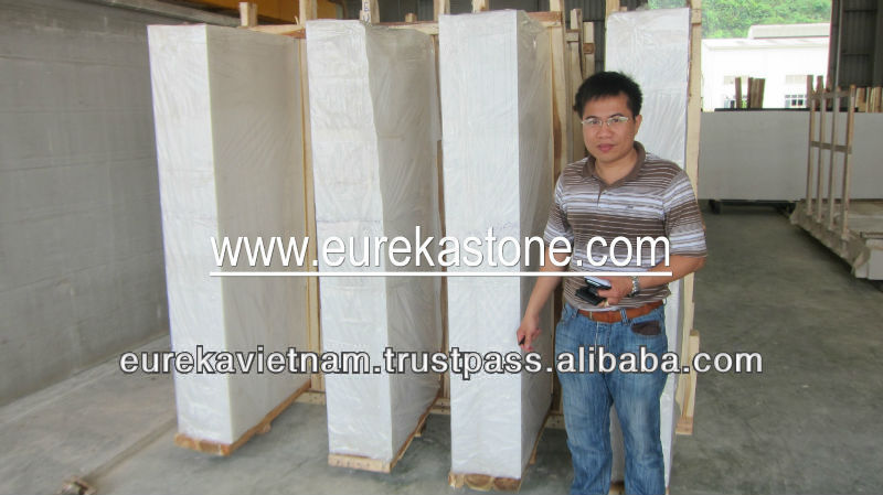 fine grain and white marble slabs