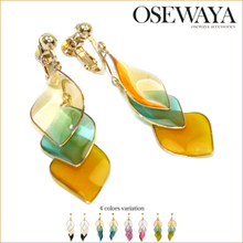 trendy design earrings leaf motif charm low moq and price