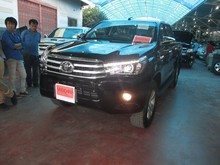 NEW - TOYOTA HILUX REVO 4WD 2.8G AT DOUBLE CAB BLACK
