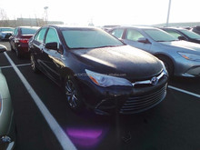 2015 Toyota Camry XLE Hybrid 2.5L Automatic Export Full option NEW