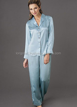 Mujeres pijamas de seda