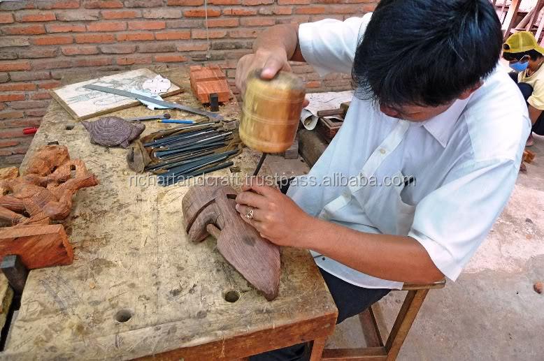 Indiano De Madeira Feitos À Mão Quatro Cavalo Arjun Rath Krishan Sarthi Mahabharat Kurukshetra Hindhu Védica Escultura Em madeira Artesanato