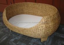 Lovely Ecofriendly, handmade pet basket, decorative, nice shape with cushion mat made in Vietnam