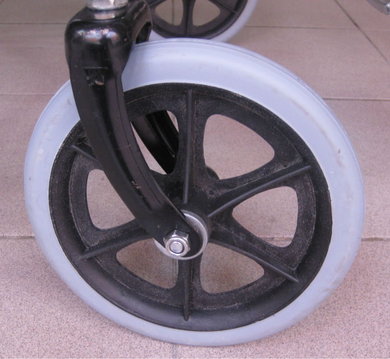 Solid tyre wheelchair p6