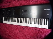 Korg Kronos 2 73-Key Synthesizer Workstation Keyboard