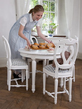 Childrens table rose in gustavian style