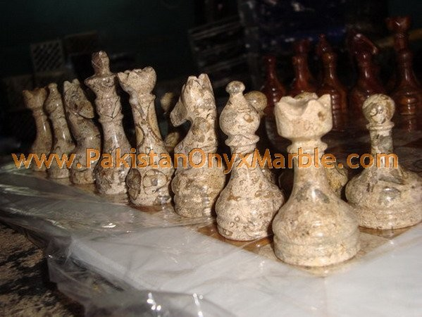marble-chess-boards-sets-checkers-red-zebra-black-marble-white-marble-figures-17.jpg