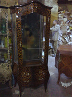baroque tiger vitrine - Leopard vitrine - animal print furniture