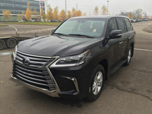 2016 Lexus LX570 and LX450d