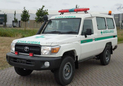B/NEW CAR - TOYOTA LAND CRUISER HZJ78R 4X4 AMBULANCE (RHD 821068)