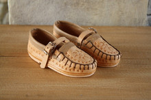 Traditional Leather MOCCASINS Pigskin Wool products Manufacturer